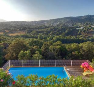 Propriété avec villa T5 et 2 appartements T3 avec piscine photo #4547