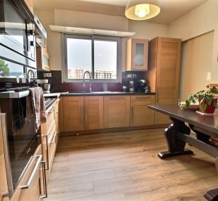 Exclusivité vente appartement F4 avec terrasse et parking proche centre ville photo #1281