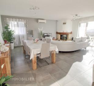 Propriété avec villa T5 et 2 appartements T3 avec piscine photo #4542