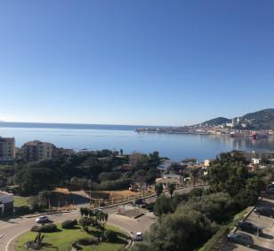Exclusivité vente appartement F2 dernier étage vue mer - Aspretto photo #2654