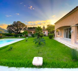 Propriété de 3 maisons avec piscine - Plaine de Peri photo #3606